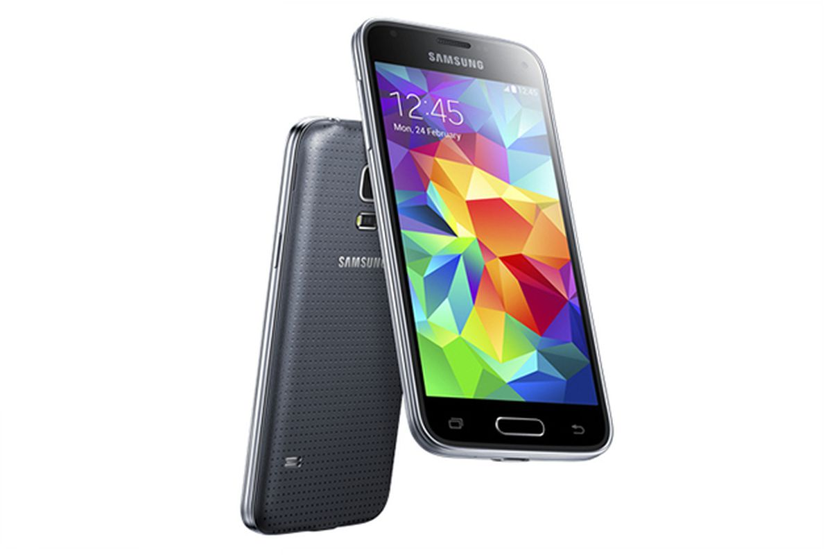 Samsung is once again downsizing its flagship Android phone in the form of  the Galaxy S5 mini. The new compact handset includes a 4.5-inch (720 x  1280) ...