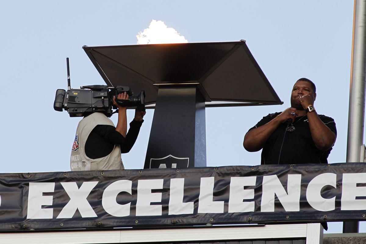 NFL: SEP 09 Broncos at Raiders