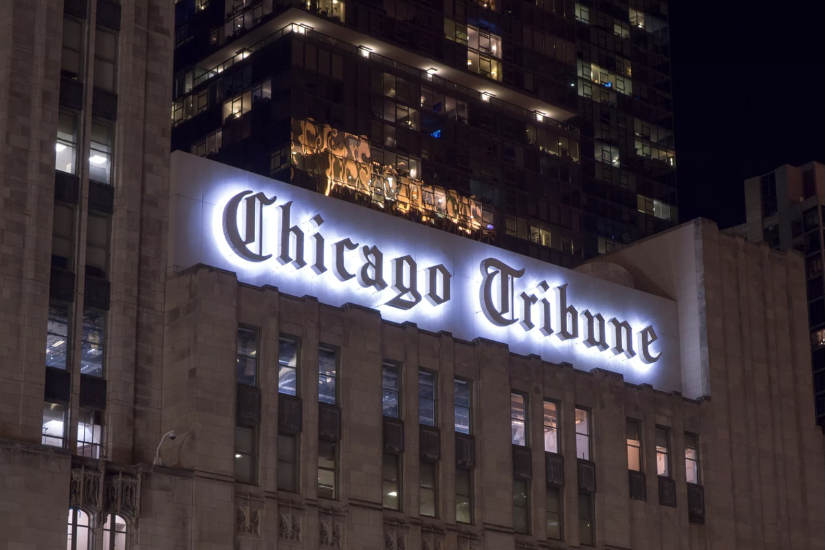 Chicago Tribune Sign To Remain On Trib Tower Condominiums
