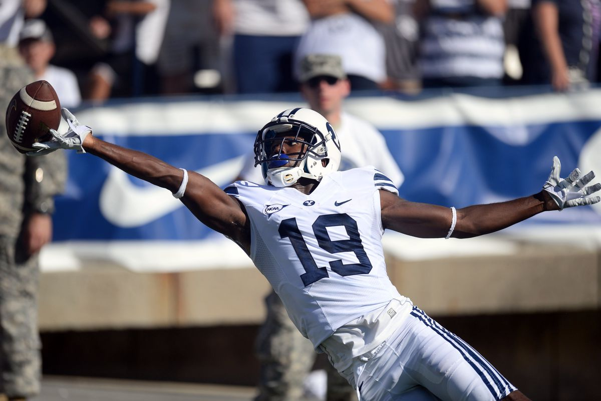 Devon Blackmon stretches out for a catch against Virginia.