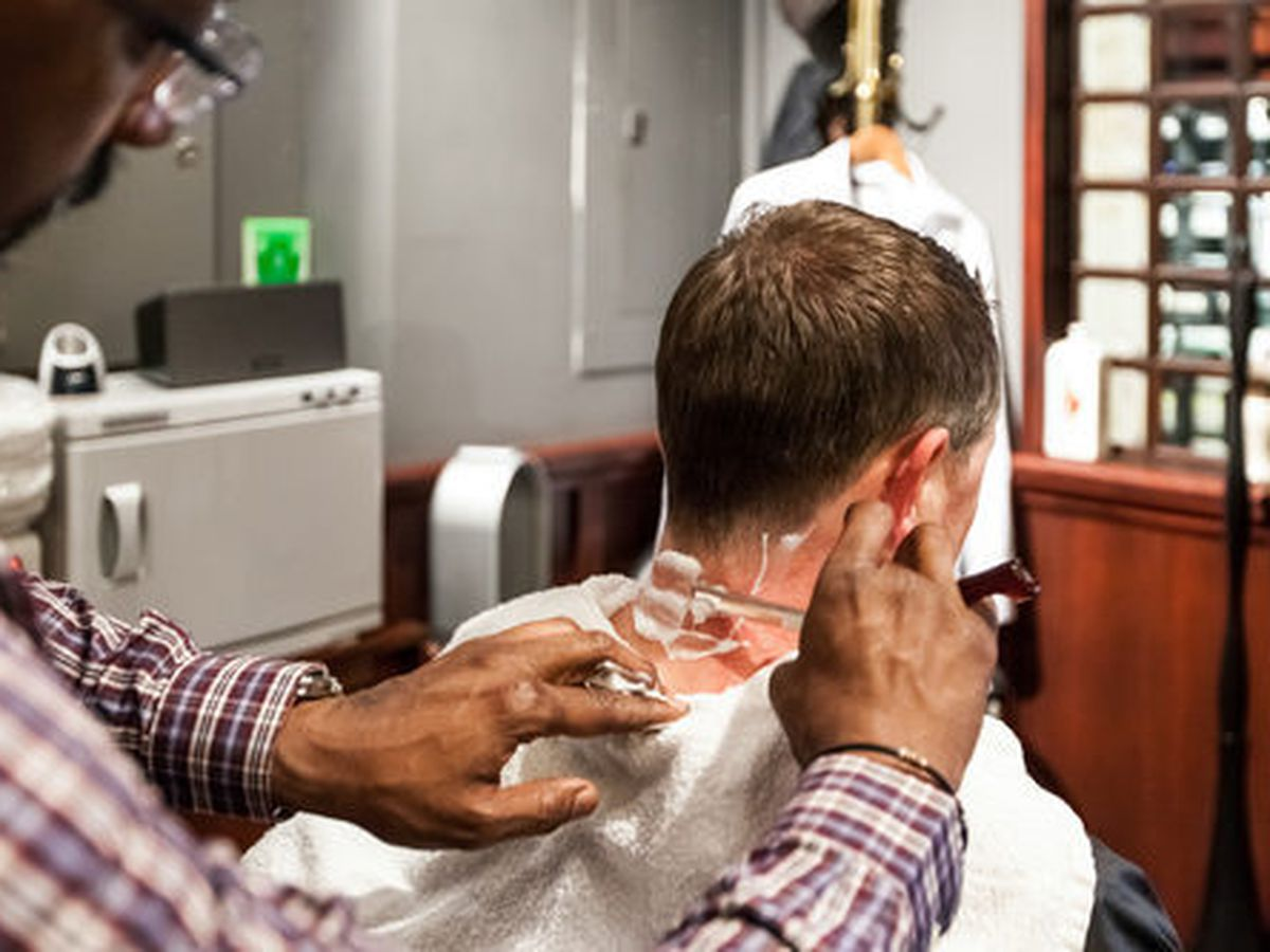 """Inside the Wingtip barber shop. Photo: <a href=""""http://www.patriciachangphotography.com"""">Patricia Chang</a> for Racked"""