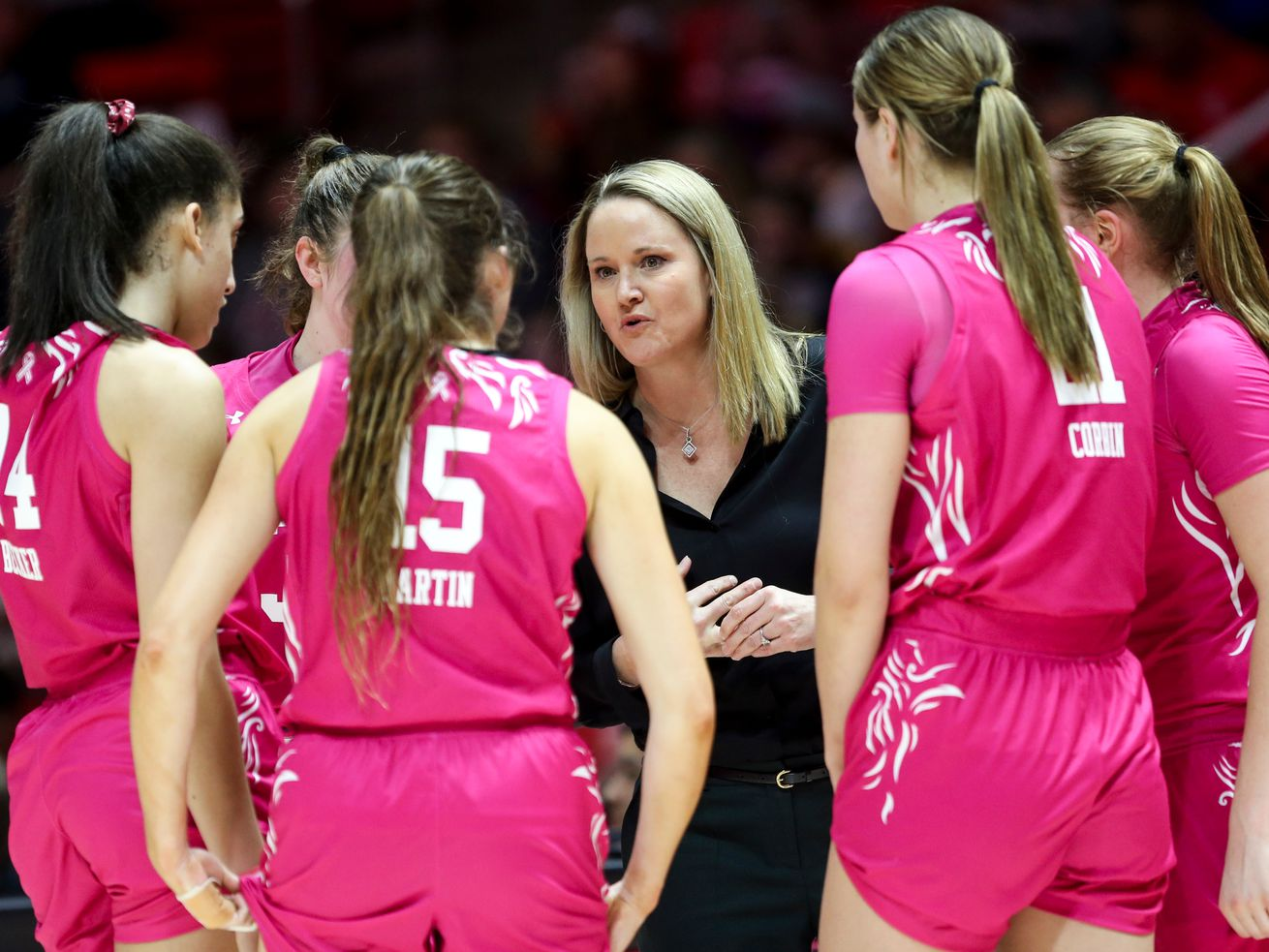 Utah Utes Head Coach Lynne Roberts talks to the team during a basketball game against the California Golden Bears at the Jon M. Huntsman Center in Salt Lake City on Sunday, Feb. 16, 2020.