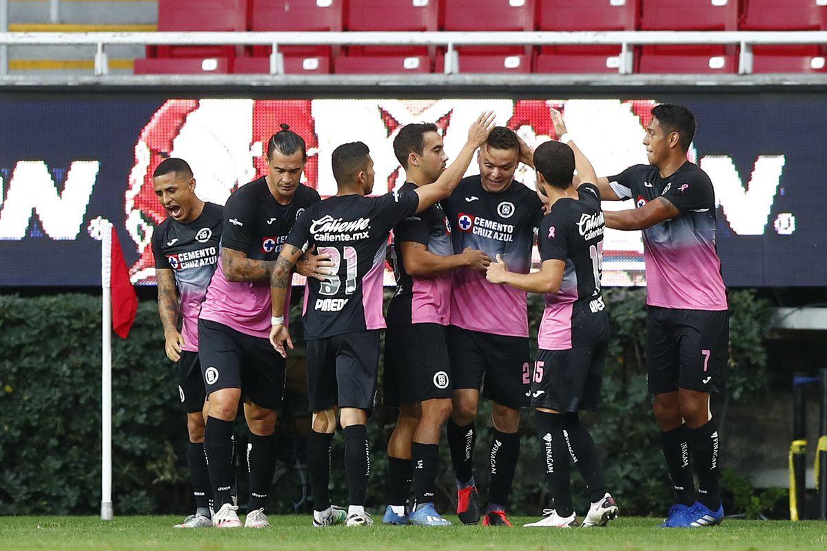 Chivas v Cruz Azul - Torneo Guard1anes 2020 Liga MX