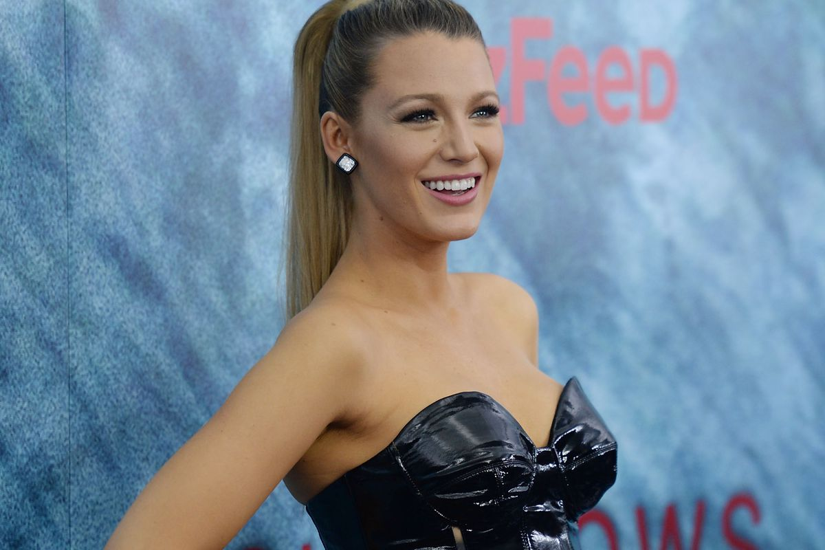 6f0c22865e0c Actress Blake Lively attends The Shallows world premiere at AMC Loews  Lincoln Square on June 21