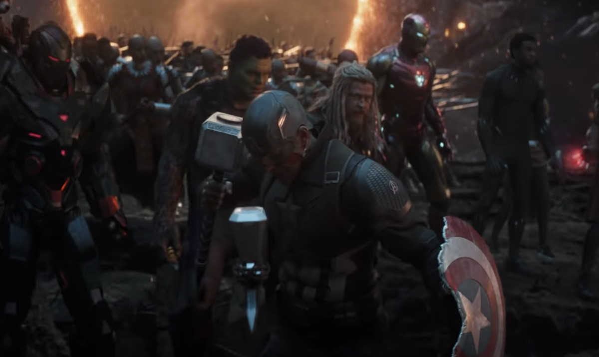 "09/10 Avengers: Endgame ""When The Snapped Avengers Returned To Fight Thanos"""