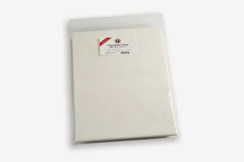 A pack of 100 half-sheets of parchment paper