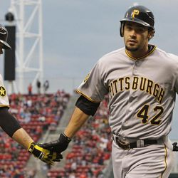 charlie morton pirates beat reds 6 1 deseret news deseret news