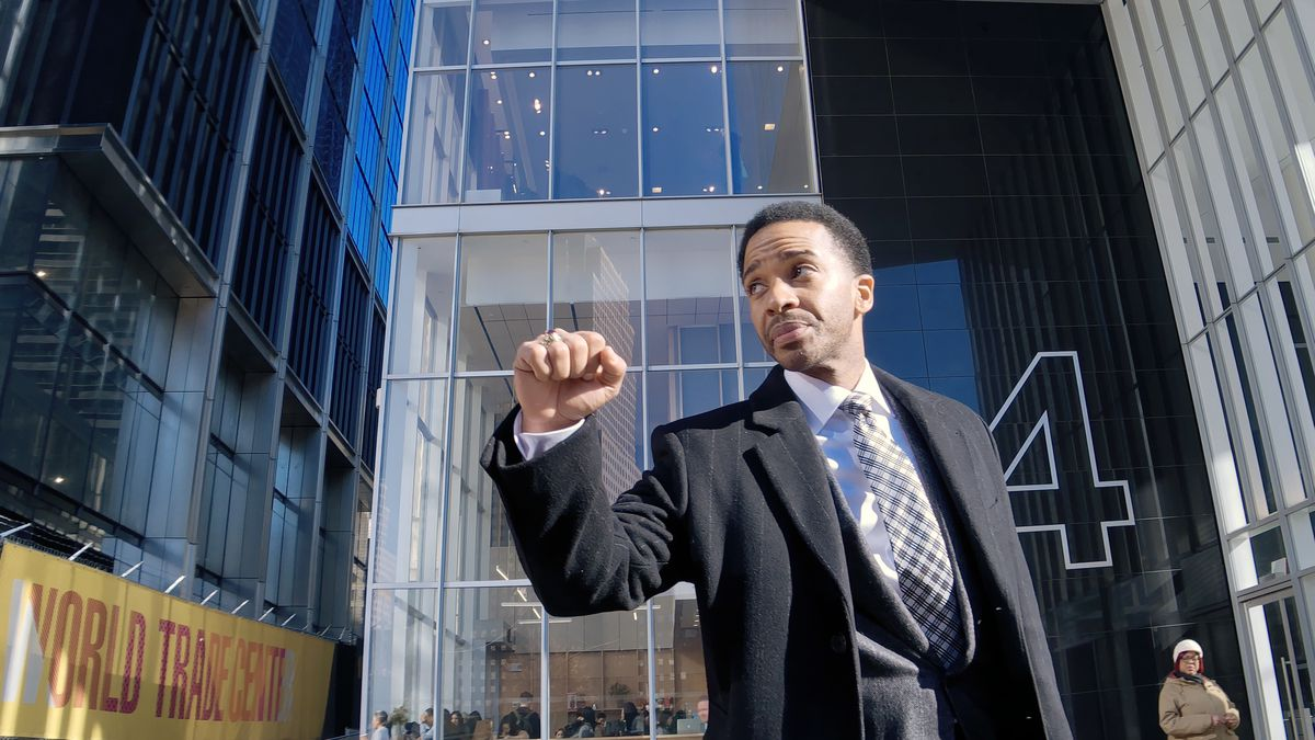André Holland as Ray Burke in High Flying Bird.