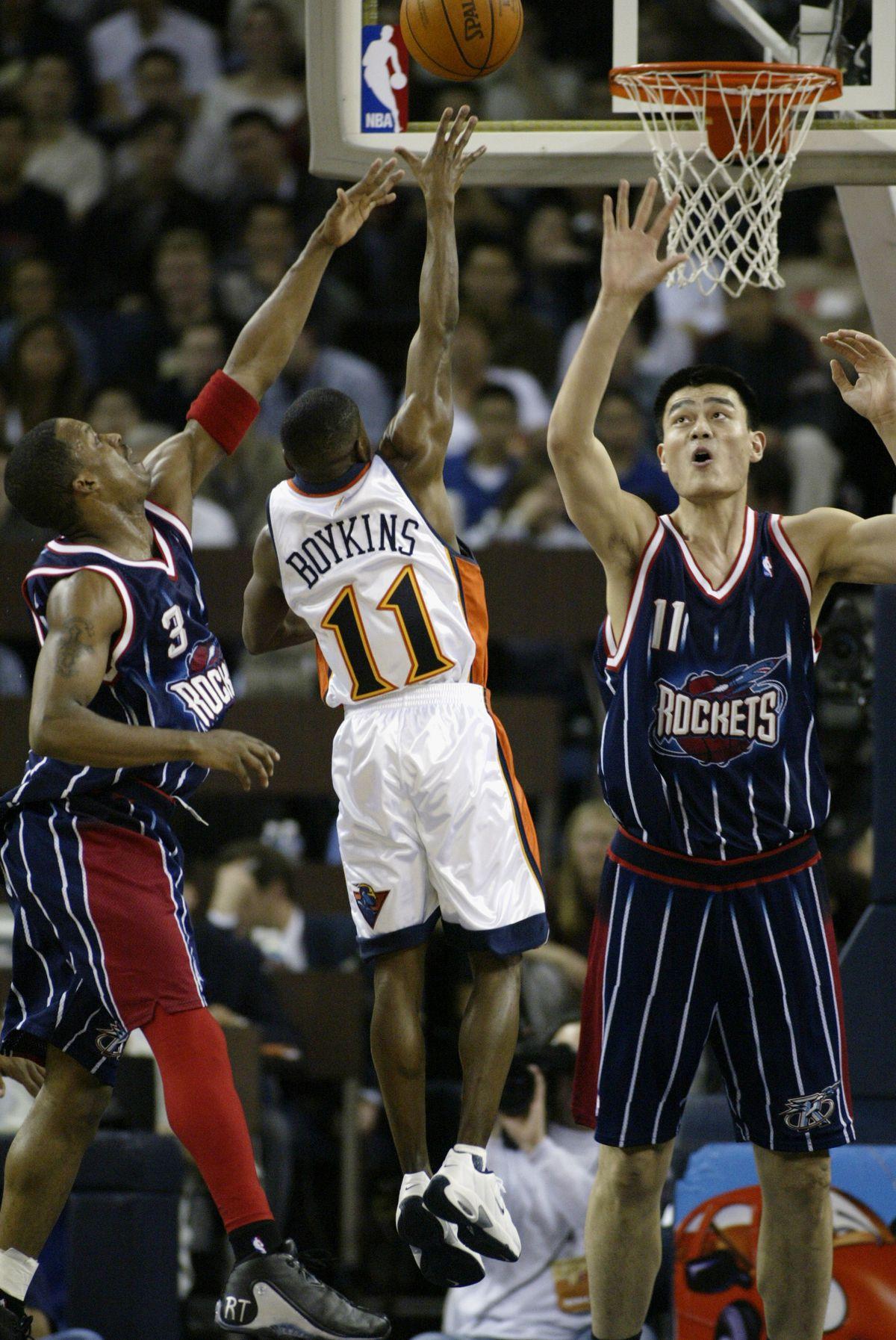 Top 10 MAC NBA Players of All-Time - Hustle Belt