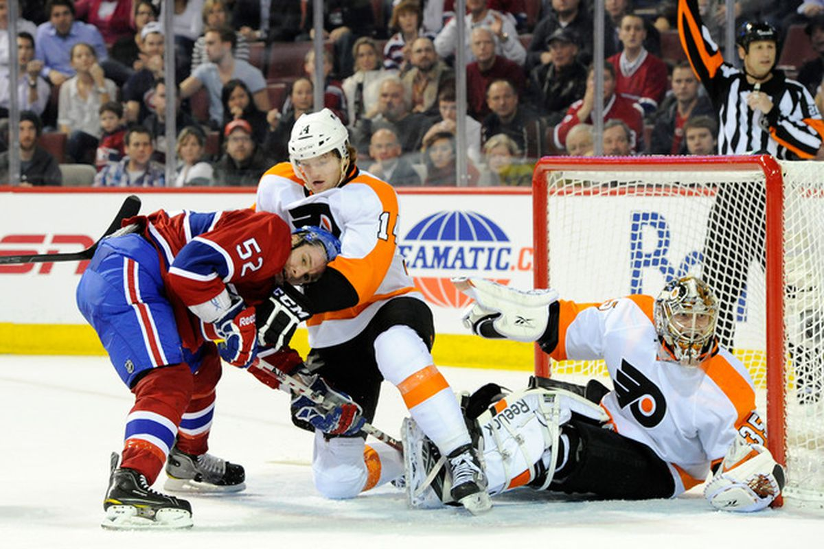 The Philadelphia Flyers defeated the Montreal Canadiens 4-3 at the Bell Centre. It was their seventh straight victory, marking the first time the team has won seven straight since January of 2002.