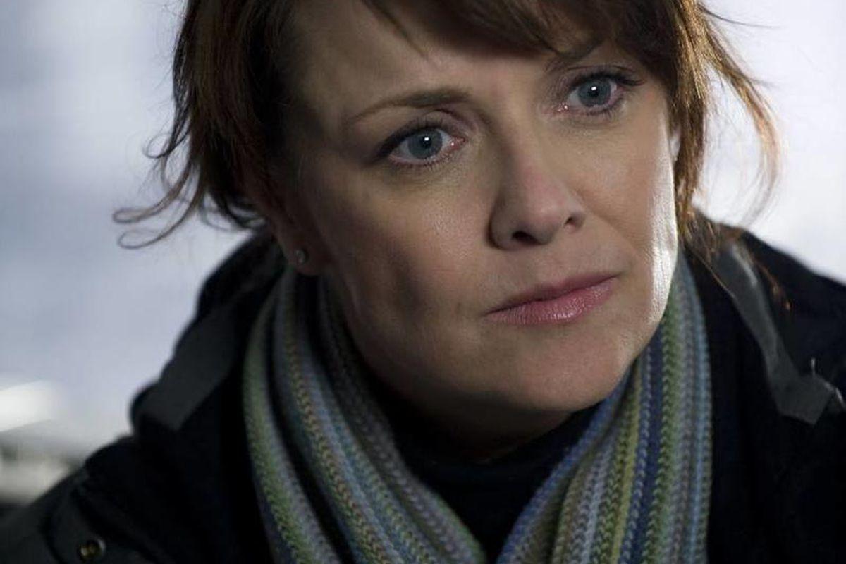 Amanda Tapping as Dr. Helen Magnus.
