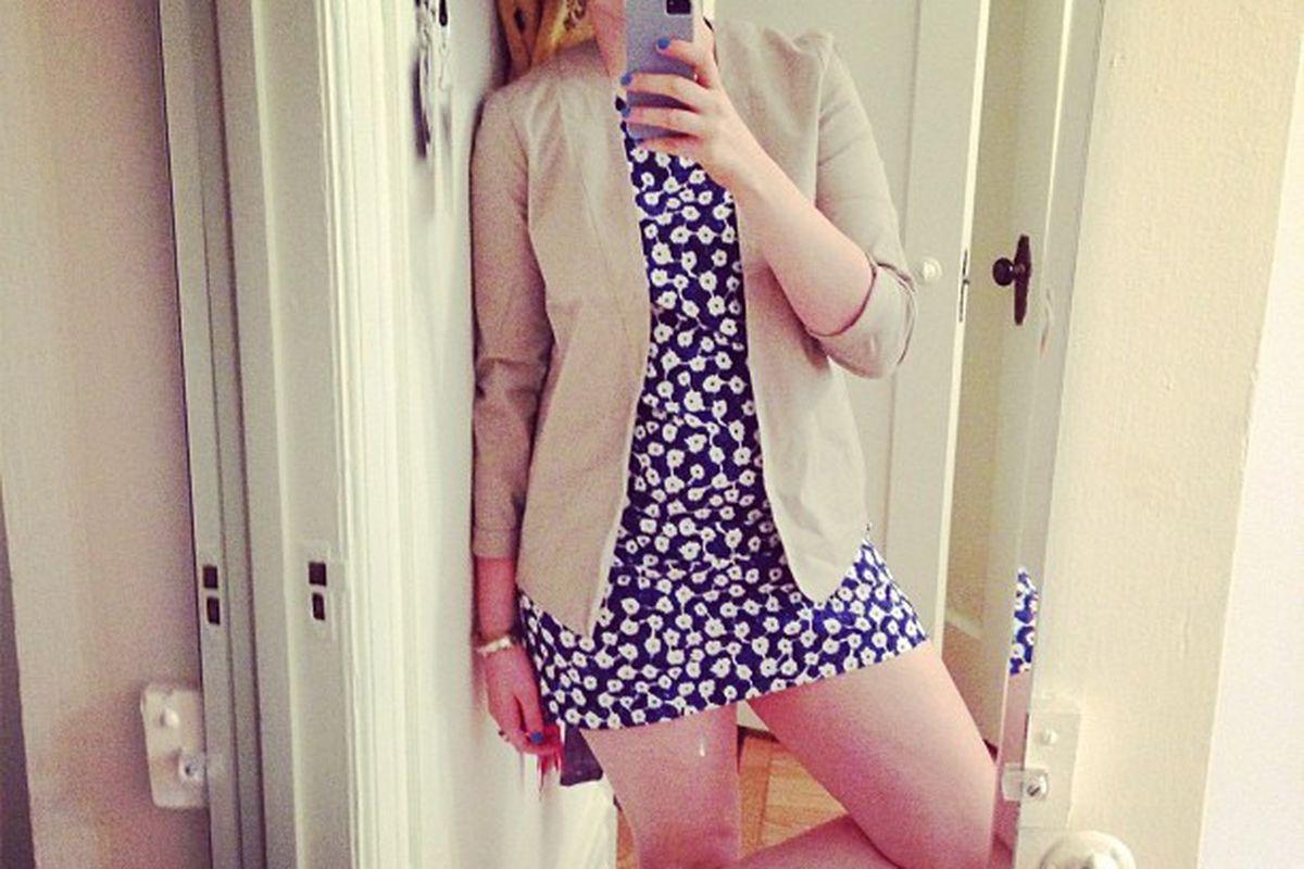 """Image via Lena Dunham/<a href=""""http://instagram.com/p/dUEgLgC1Ld/#"""">Instagram</a>."""