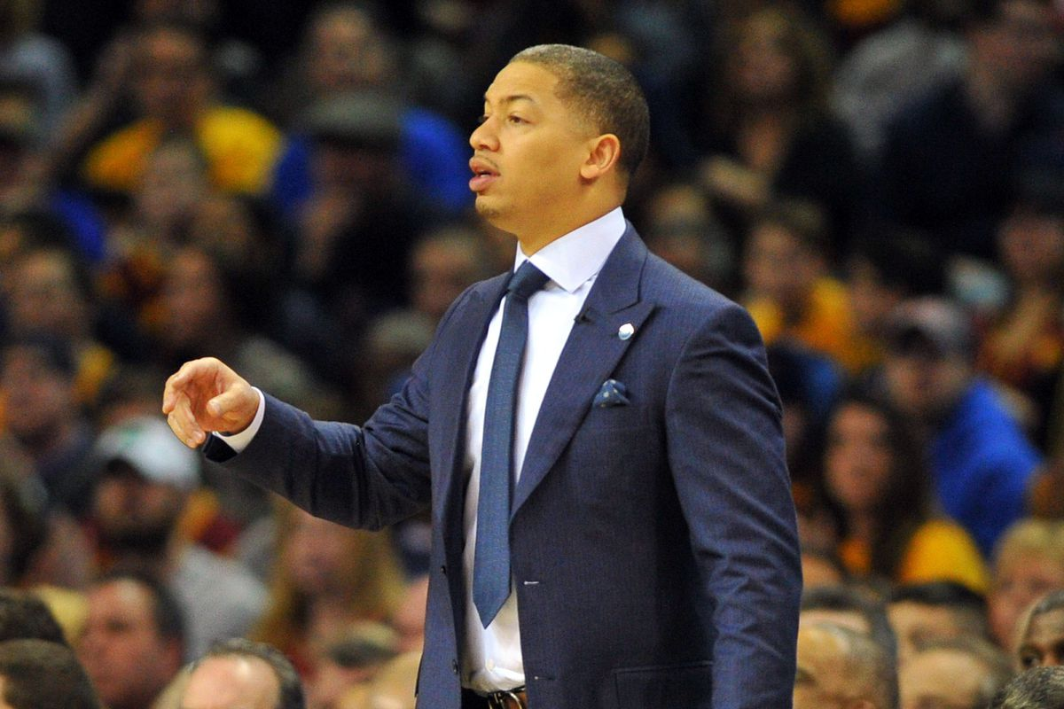 Tyronn Lue will coach East at NBA s All-Star game - Fear The Sword 34befebef