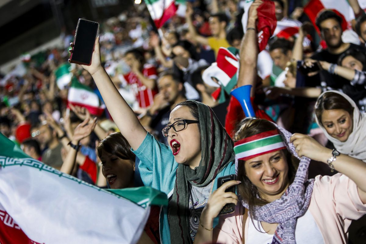 Iranian women watched the World Cup in a stadium for the first time ... ff1a37cb6