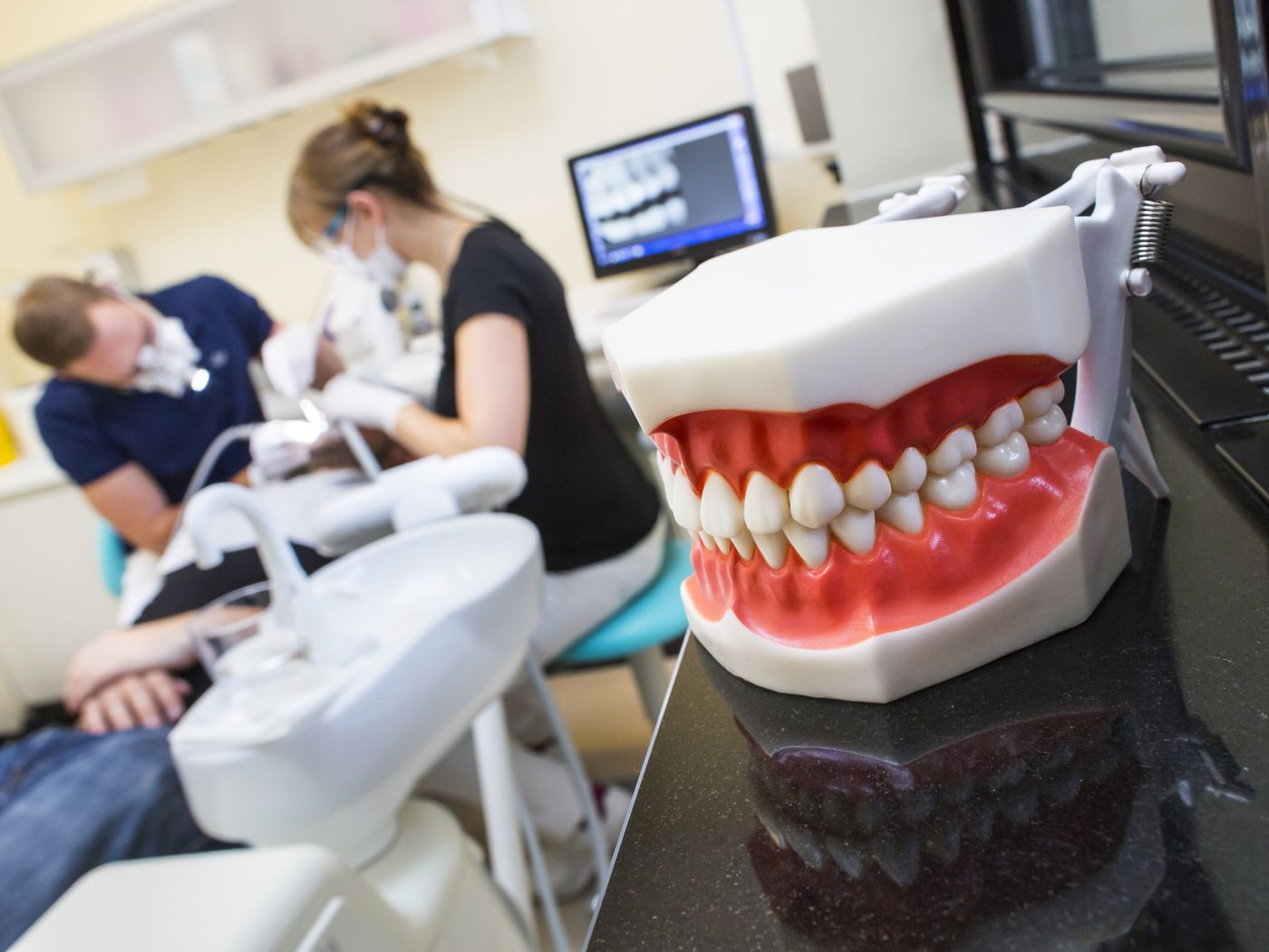 Tips On Preventing Tooth Loss and Emergency Dental Treatment
