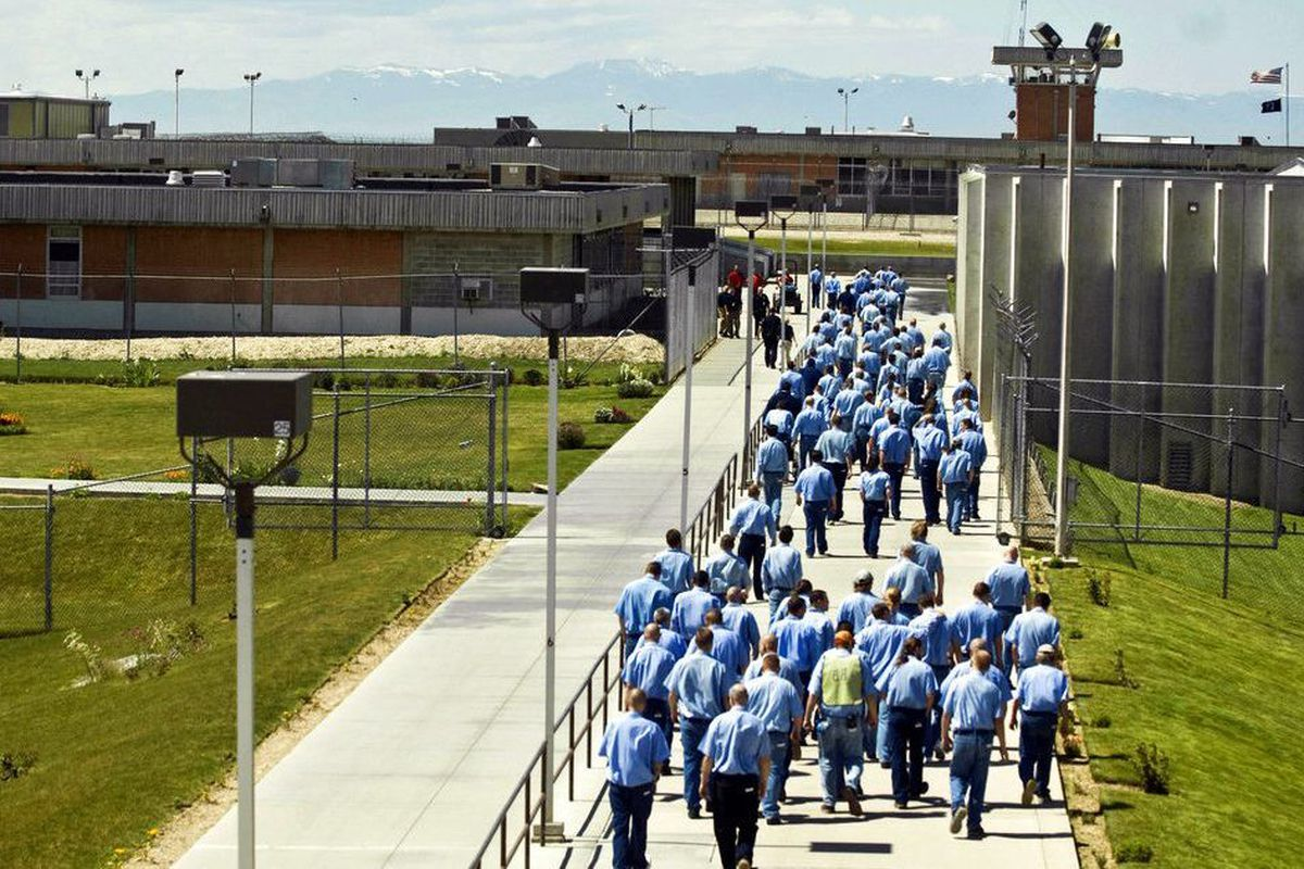 Many rooting for Idaho inmates after credit bug exposed on