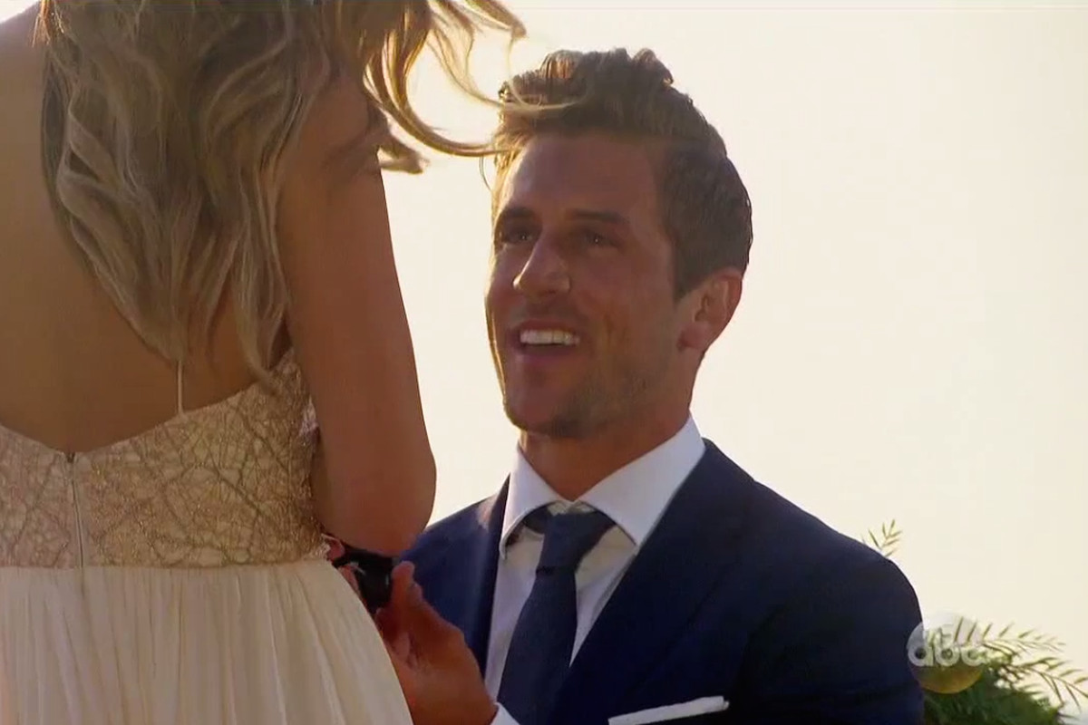 From Start To Finish On This Season Of The Bachelorette JoJo Fletcher Had Her Eye Jordan Rodgers He Earned First Rose