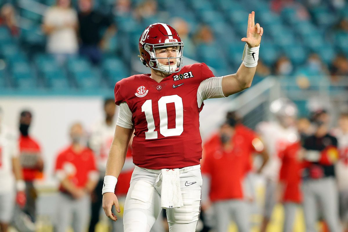 Alabama quarterback Mac Jones (10), once considered a possibility for the Bears at No. 20 overall in the first round of the NFL Draft, is now projected to go third overall to the 49ers in many mock drafts.