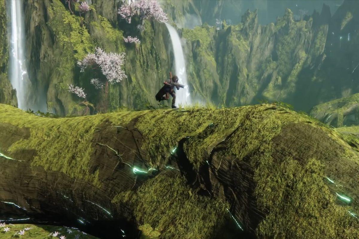 Destiny 2: Shadowkeep - a Guardian running through the Black Garden