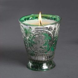 """Himalayan mistletoe candle, $18 at <a href=""""http://www.goodwooddc.com"""">GoodWood</a>"""
