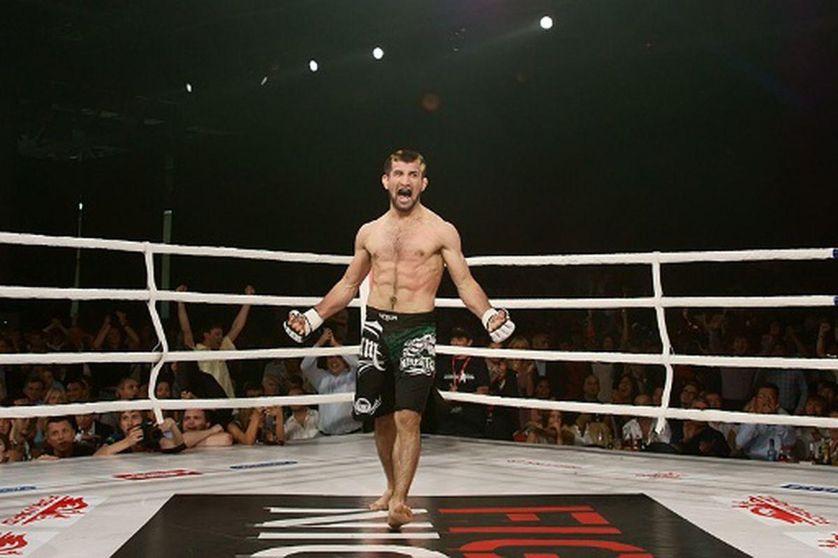 Rasul Mirzaev celebrates his victory over former Sengoku featherweight champion Masanori Kanehara at Fight Nights - Battle of Moscow 4. (Photo via TSGIGOR / forum.mixfight.ru)