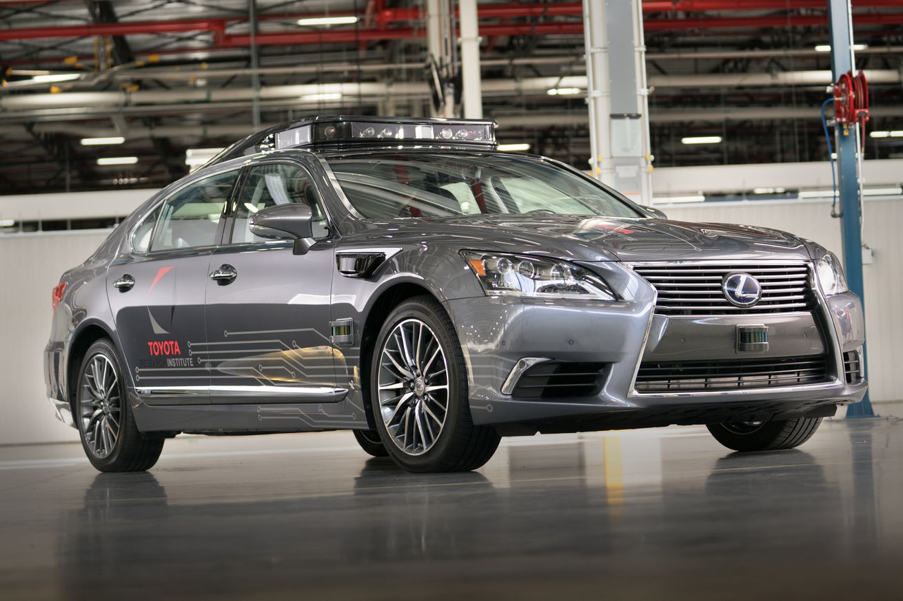 toyota s new self driving car can see up to 200 meters in every direction