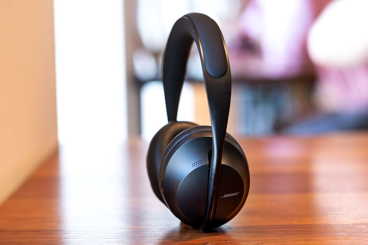 Bose Noise Cancelling Headphones 700 Review Taking Back The Crown The Verge