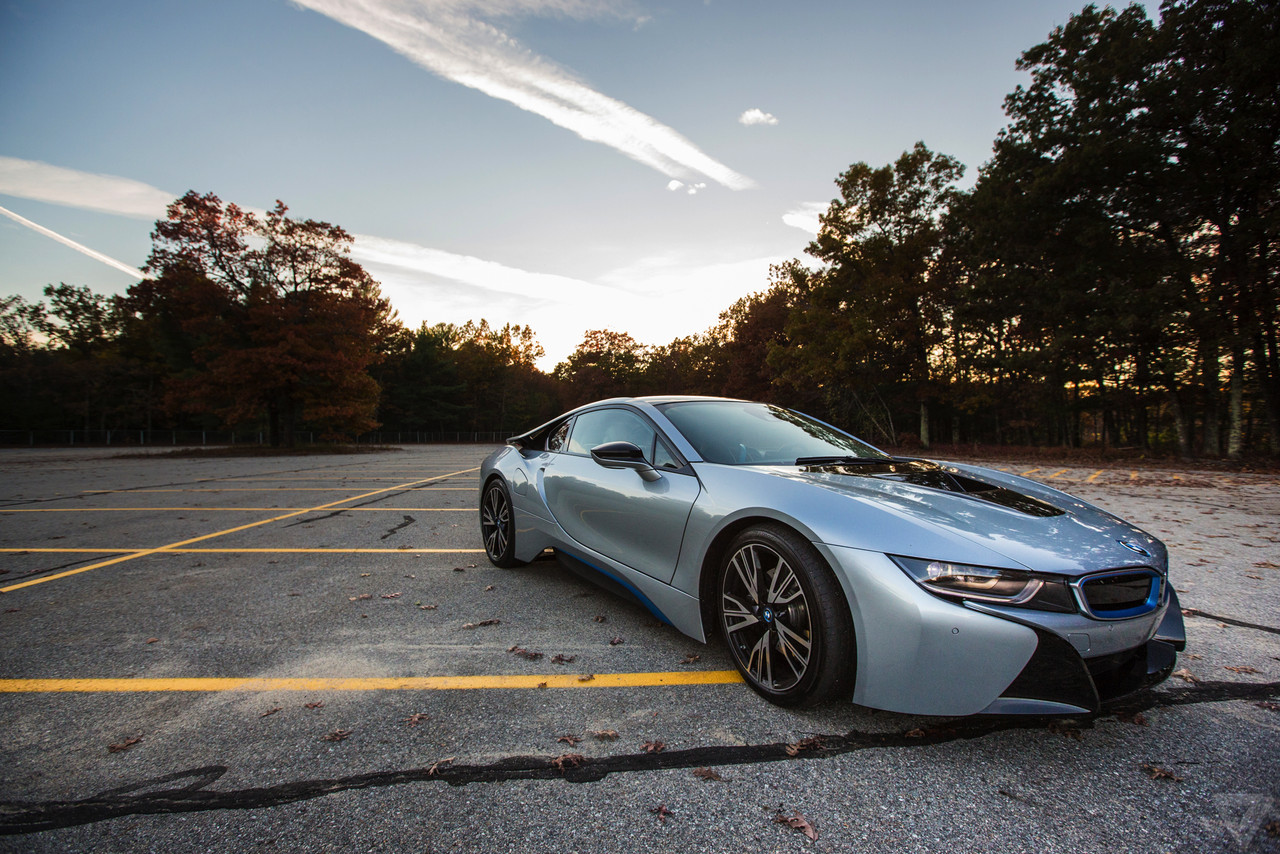 bmw i8: a gallery of beautiful wallpaper | the verge