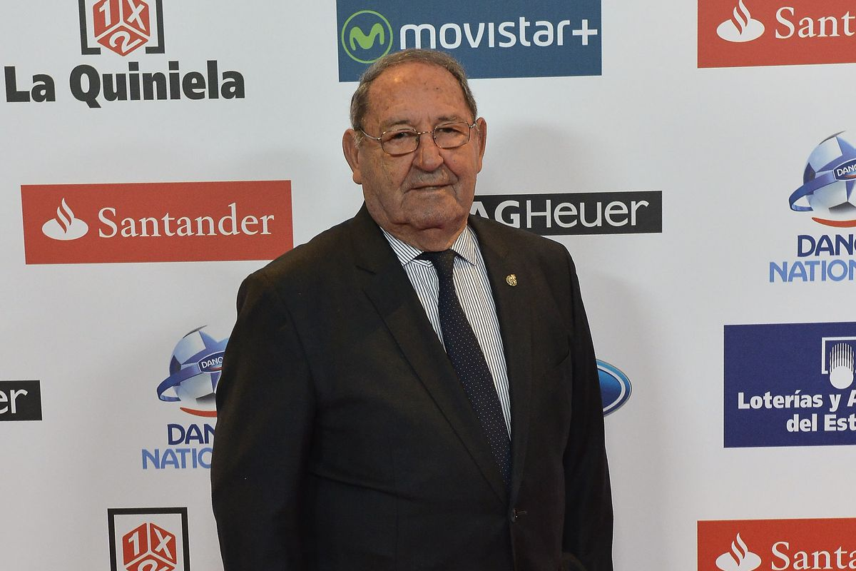 OFFICIAL Paco Gento be es Honorary President Managing Madrid