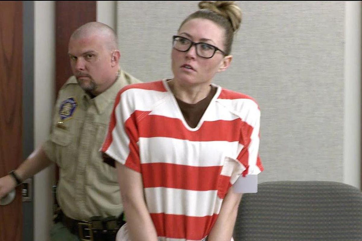 Brianne Altice, right, makes a court appearance in Farmington, Monday, March 30, 2015.