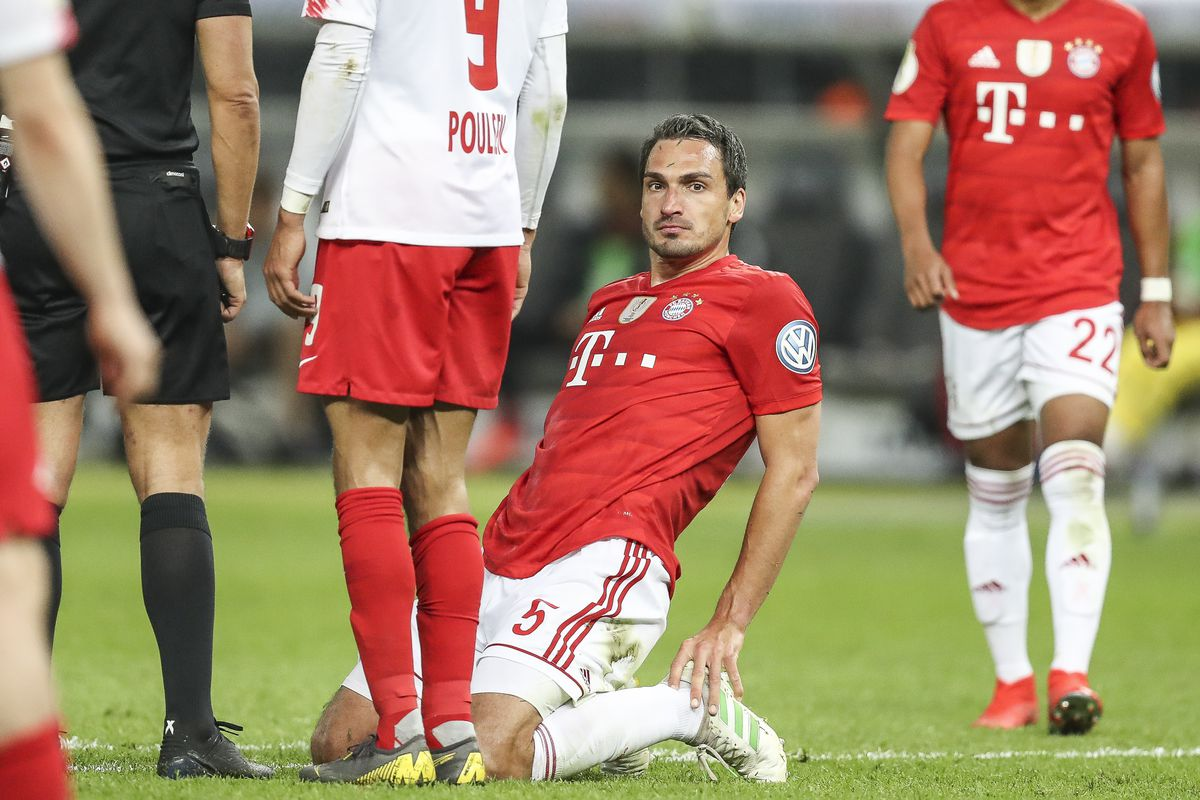 BERLIN, GERMANY - MAY 25: Mats Hummels of Bayern Munich reacts during the DFB Cup final between RB Leipzig and Bayern Muenchen at Olympiastadion on May 25, 2019 in Berlin, Germany.