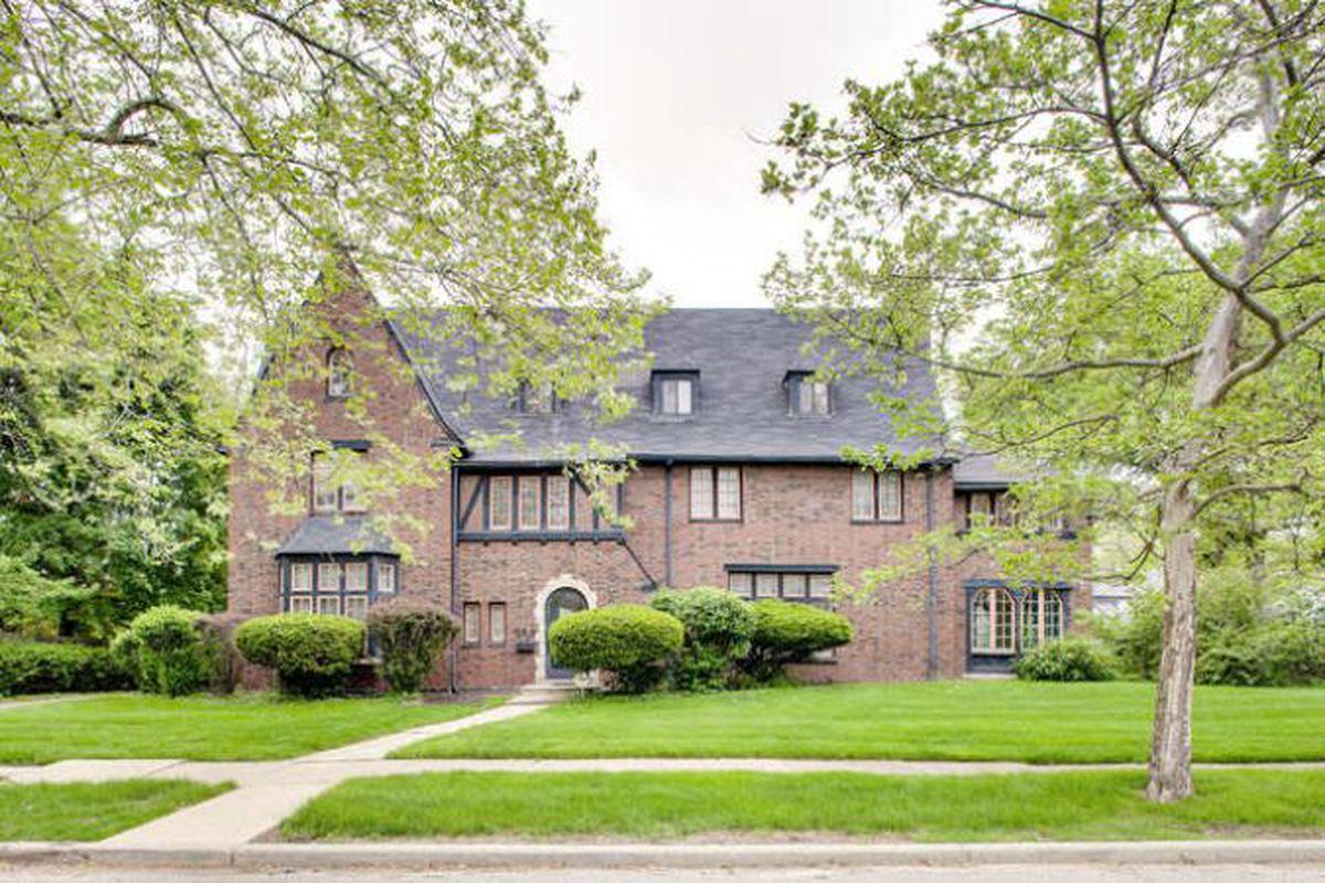 """Photos via <a href=""""http://citylivingdetroit.com/our-properties/property-details/339/444-lodge-drive/""""> City Living Detroit</a>"""