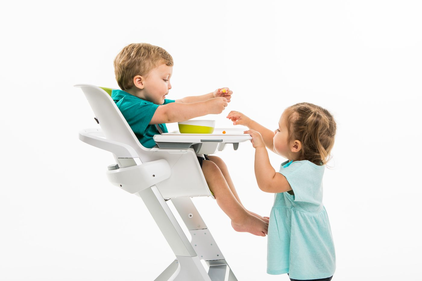 Strange This Magnetic High Chair Has Some Clever Features But Its Ibusinesslaw Wood Chair Design Ideas Ibusinesslaworg