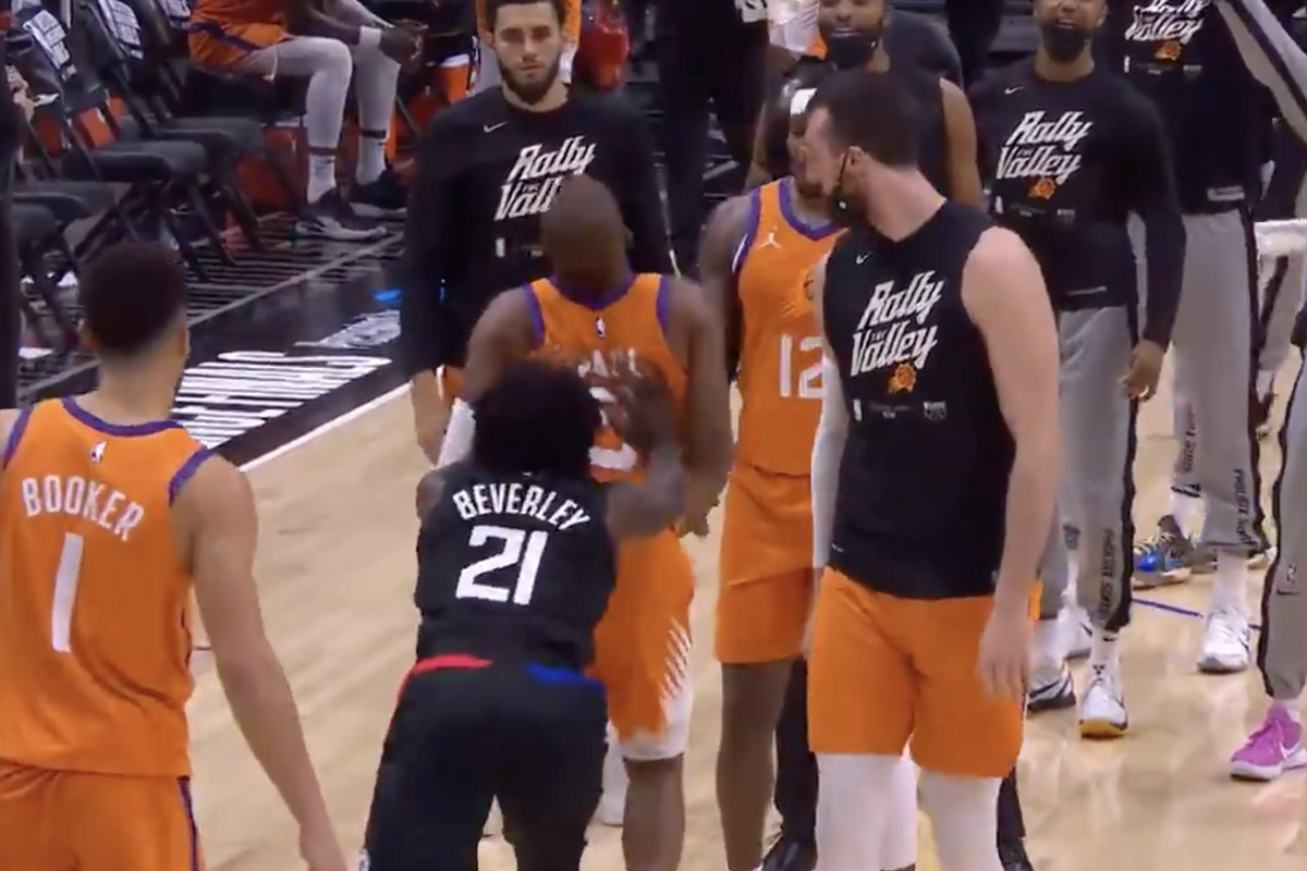 Patrick Beverley shoves Chris Paul in Game 6 of 2021 Western Conference Finals.