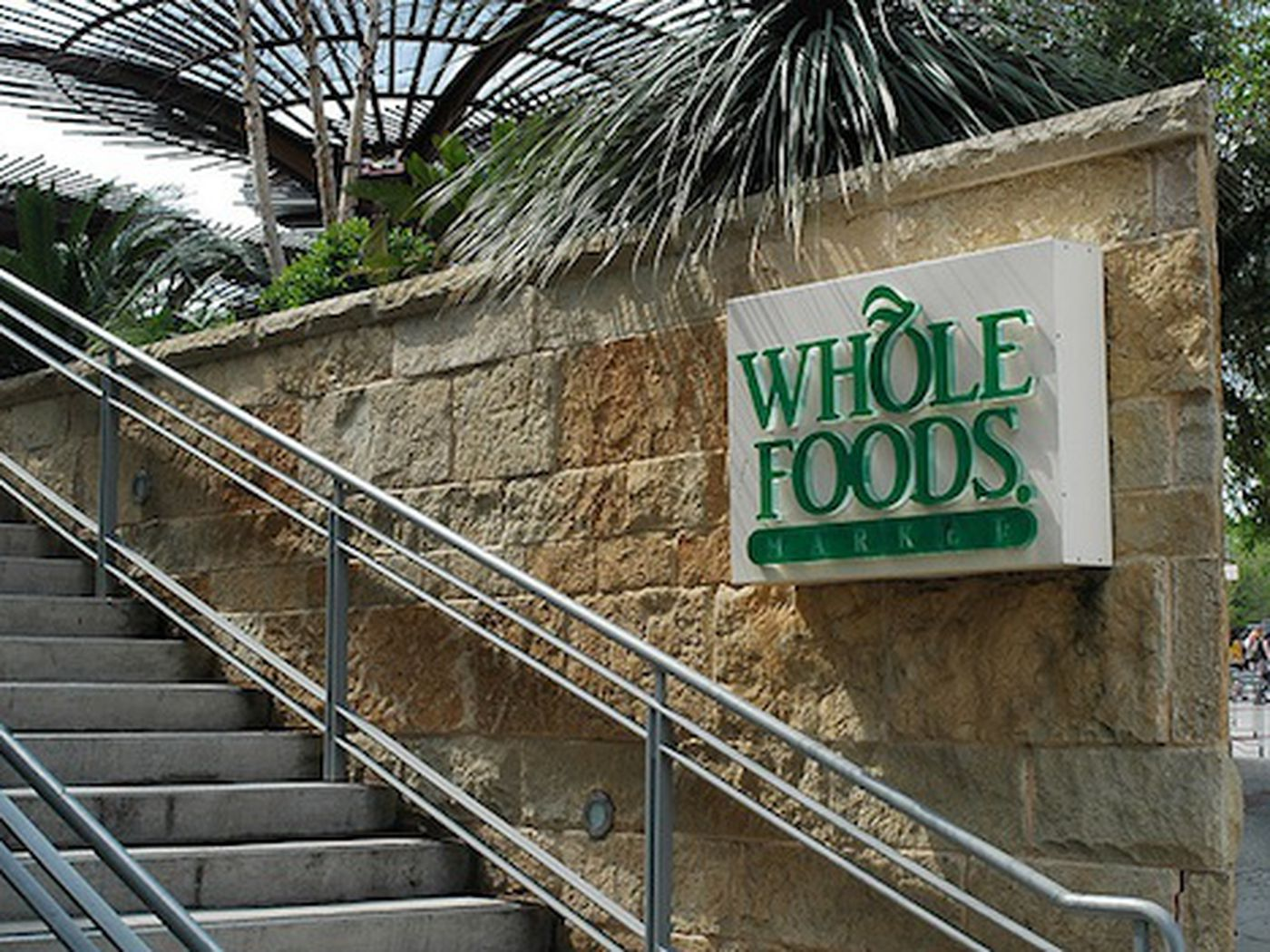 Whole foods employee quits with a gloriously insane email eater expocarfo