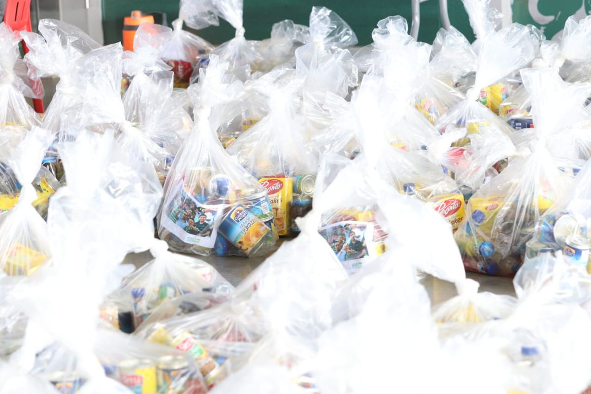 Some of the 3200 care packages distributed to stadium and game-day staff at Estadio Corona, Estadio Jalisco, and Estadio Tamaulipas by Grupo Orlegi.