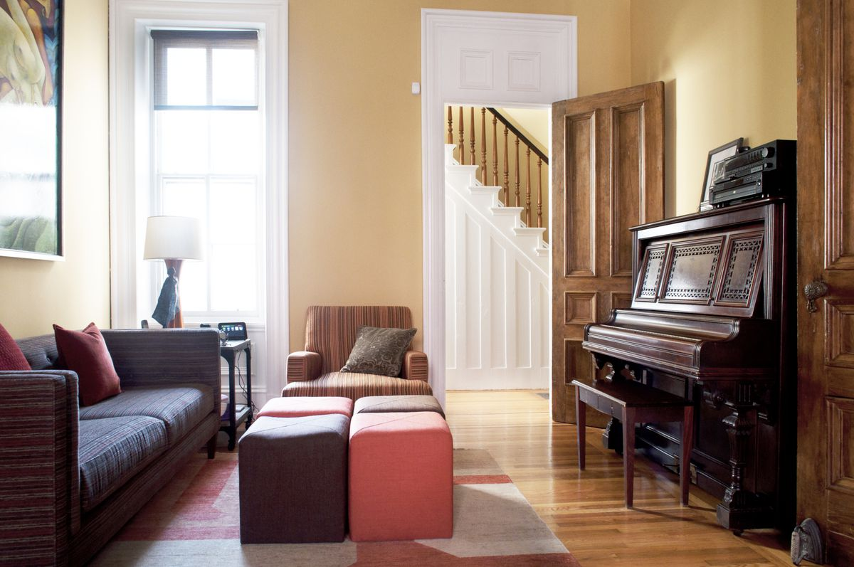 House Calls: A Renovated Historic Rowhome in Fairmount