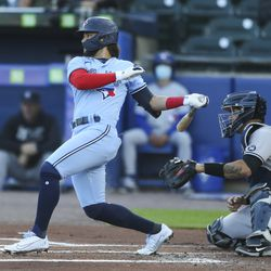 Bo Bichette gets into one like the old man used to