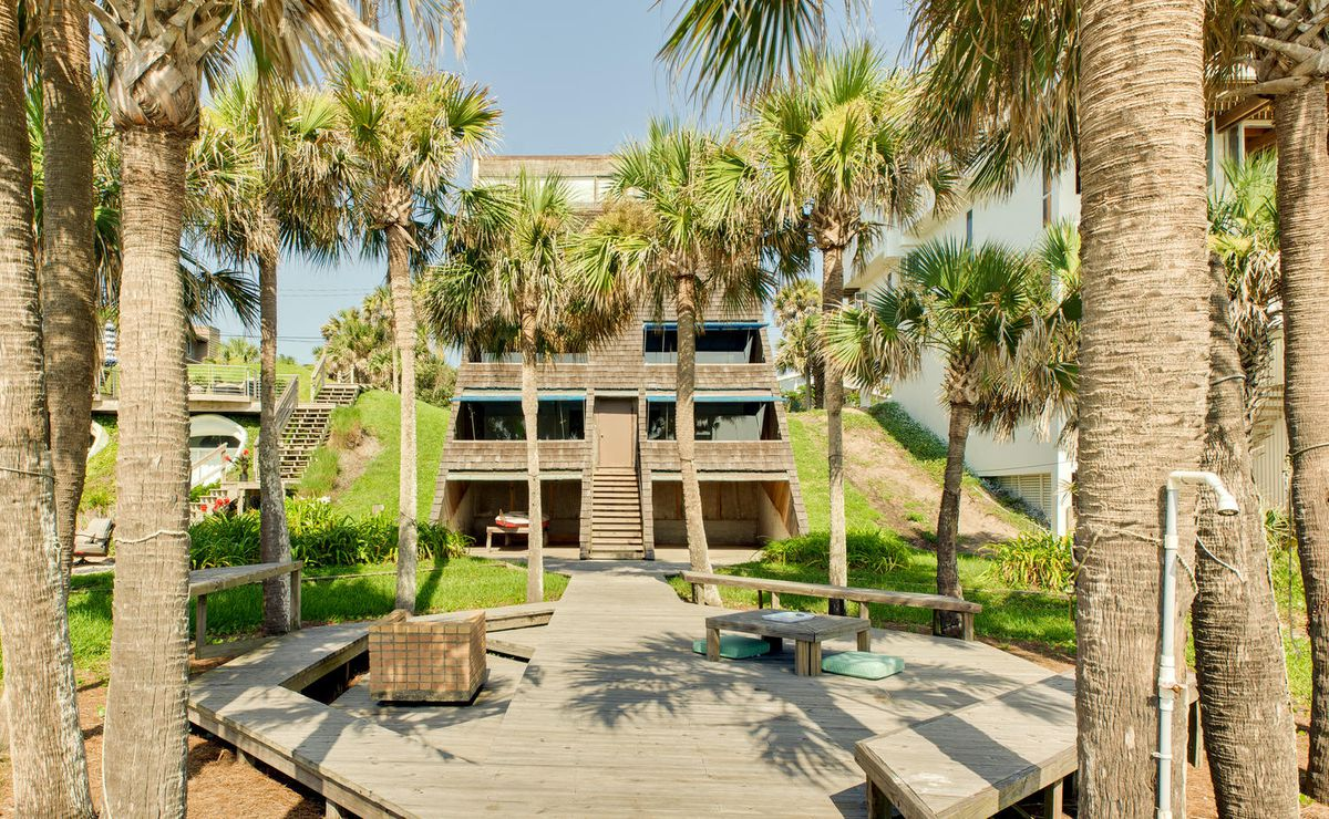 This Incredible Triangular Beach House Can Be Yours For 1
