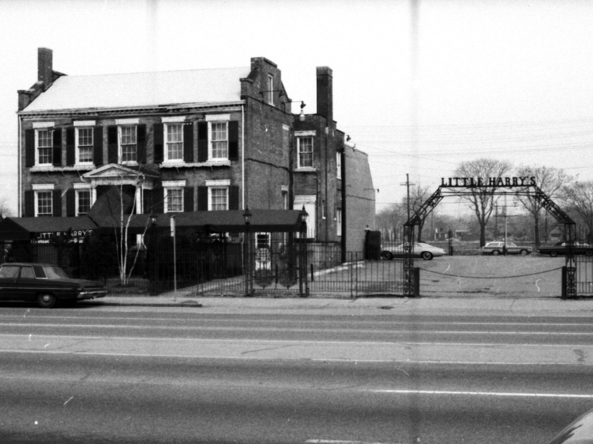 A black and white historic photograph of the Alexander Chene House in Detroit.