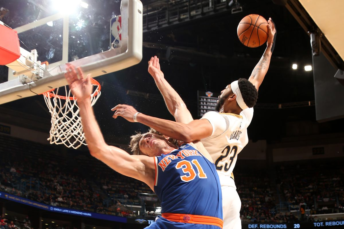 New York Knicks edge New Orleans Pelicans for rare road win
