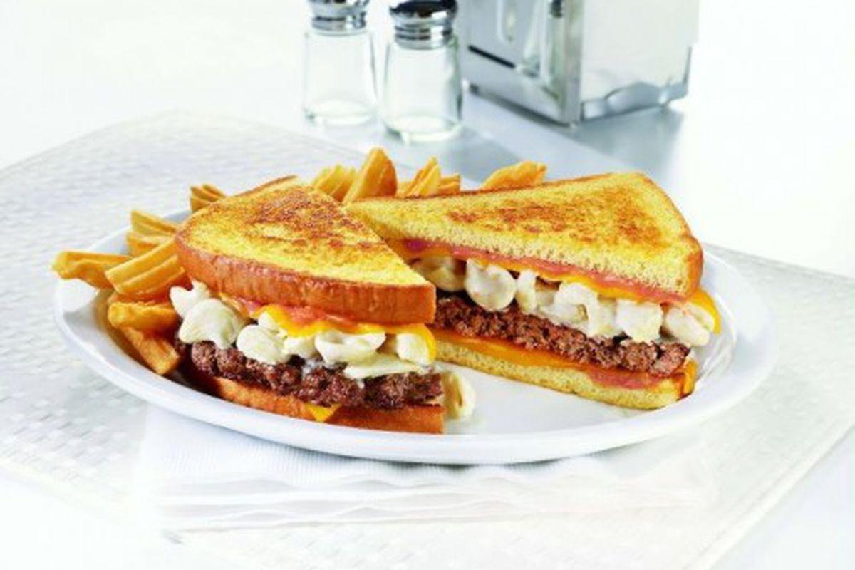 Mac 'n Cheese Big Daddy Patty Melt w/ French Fries: 1690 calories.
