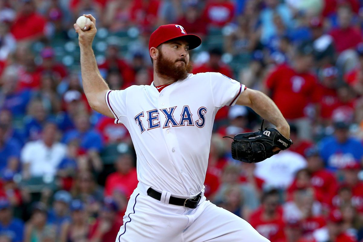 Rangers Trade Struggling Reliever Sam Dyson to Giants