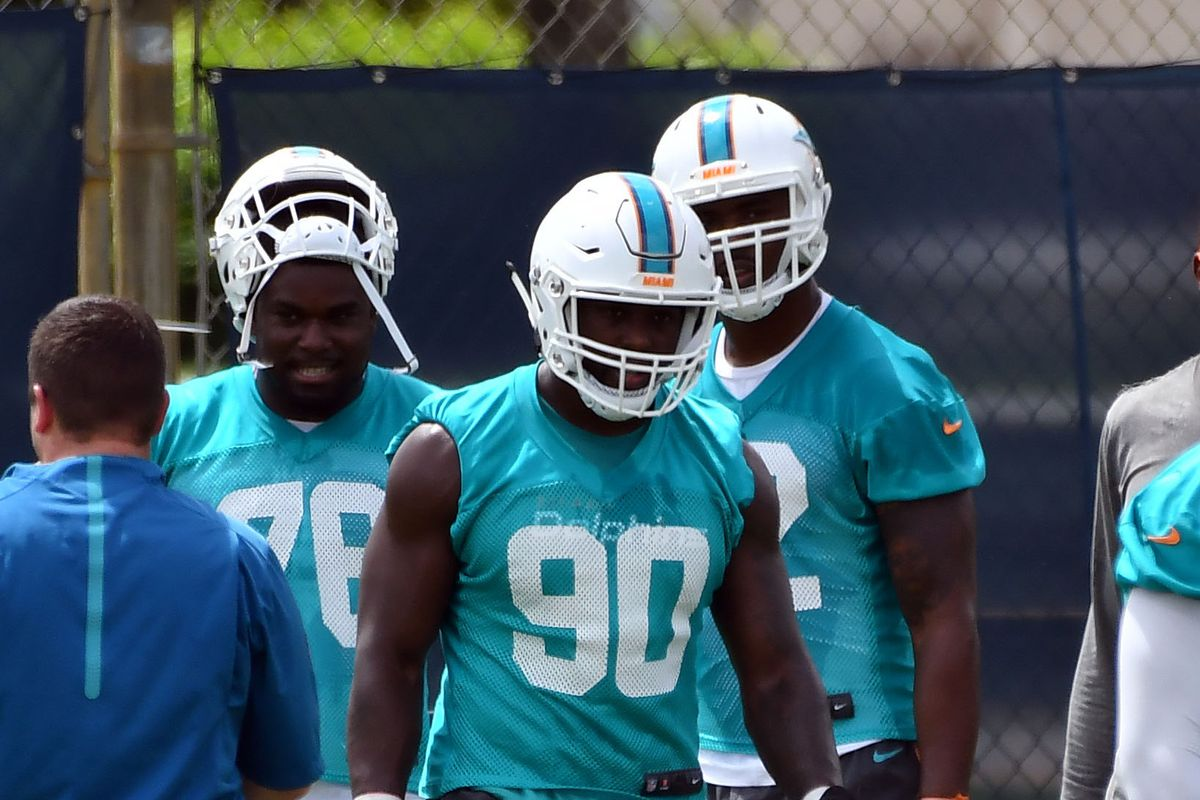 best sneakers 69dd5 28986 90-in-90: Miami Dolphins roster breakdowns, DE Charles ...