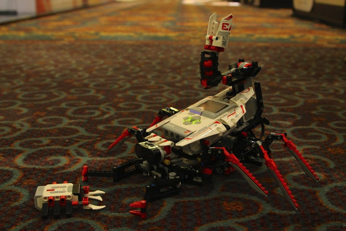 Lego Mindstorms EV3 hands-on: an incredible toy right out of the box