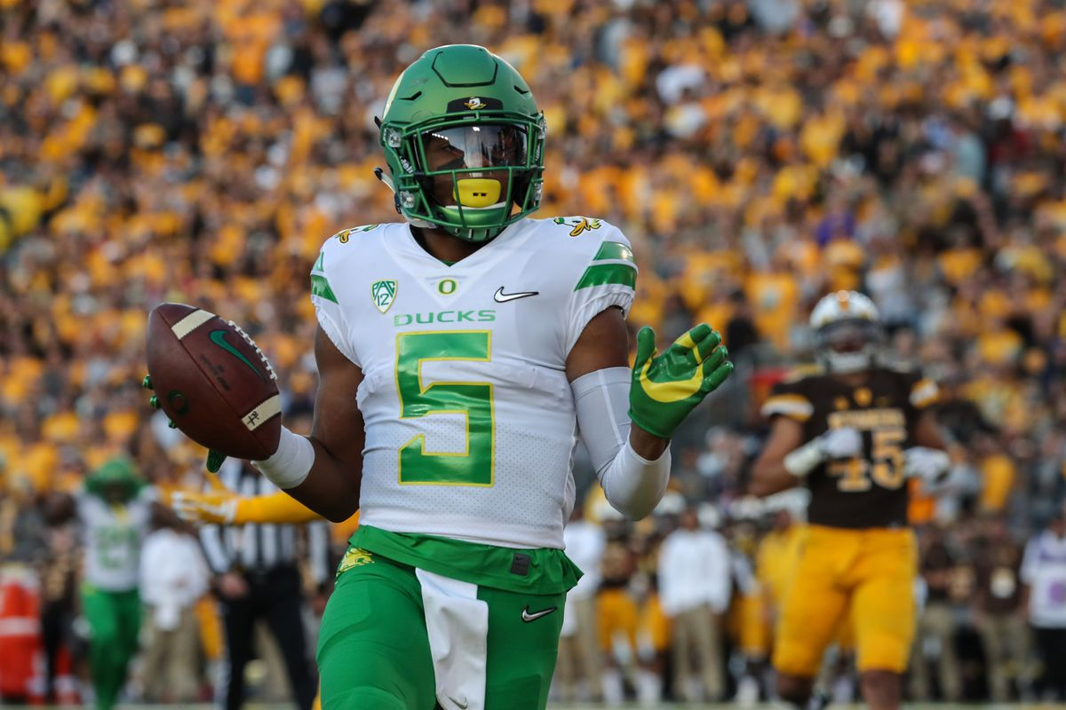 sports shoes 3a013 fc9d0 Game Recap: Oregon's Defense Silences Quarterback Josh Allen ...