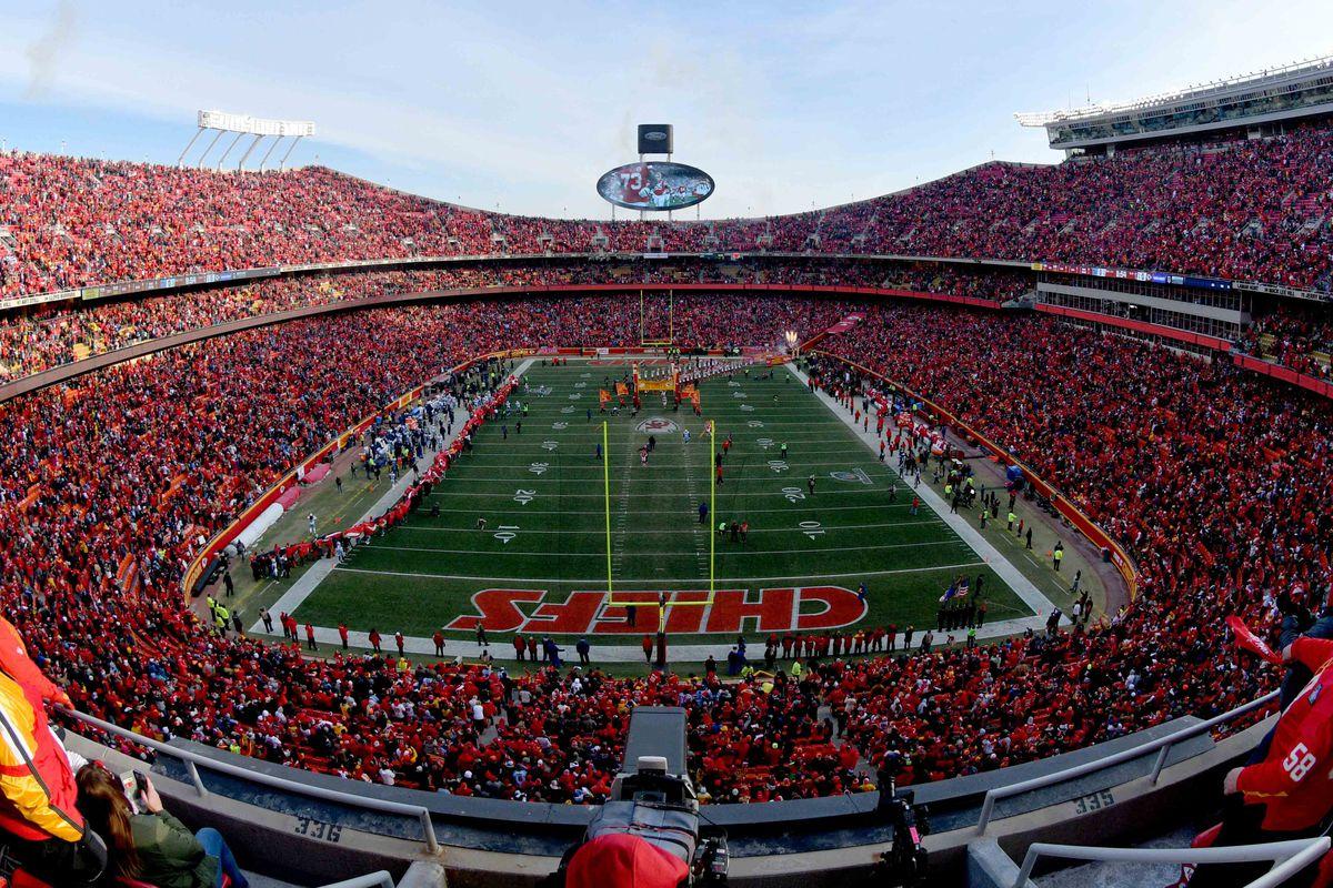 NFL: AFC Wild Card-Tennessee Titans at Kansas City Chiefs