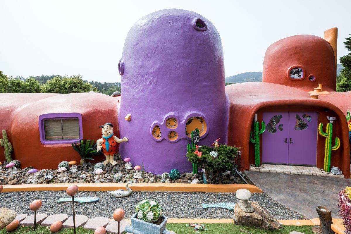 The orange and purple domes of the Hillsborough Flintstone House