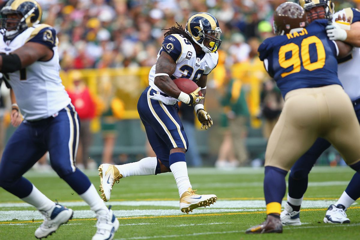 Is Steven Jackson of the St. Louis Rams a decent fantasy option this week?