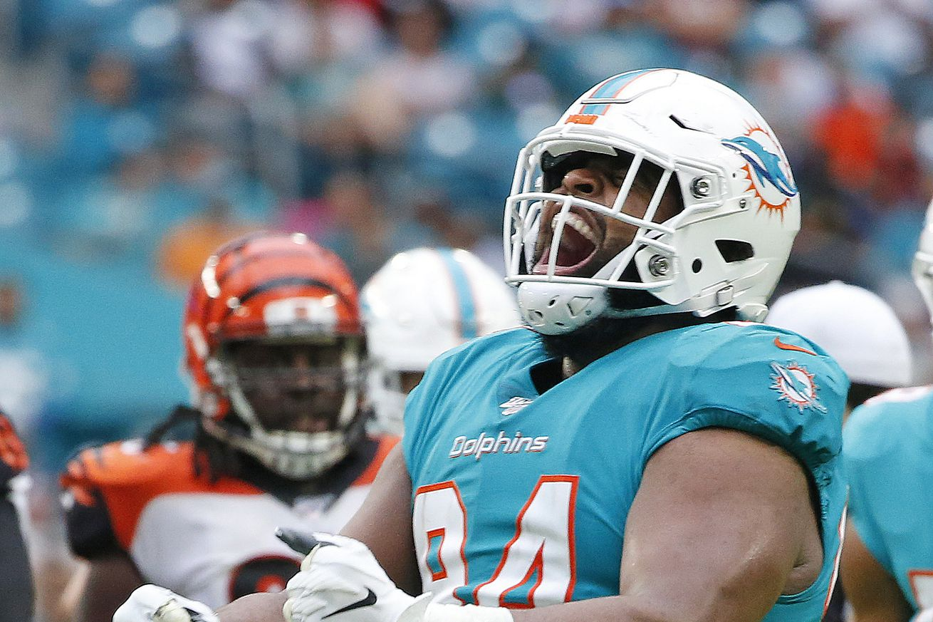 Dolphins at Patriots injury report for season finale